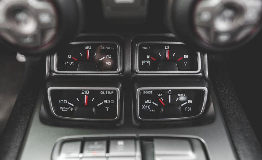 2015 Chevrolet Camaro ZL1 coupe - Slide 39