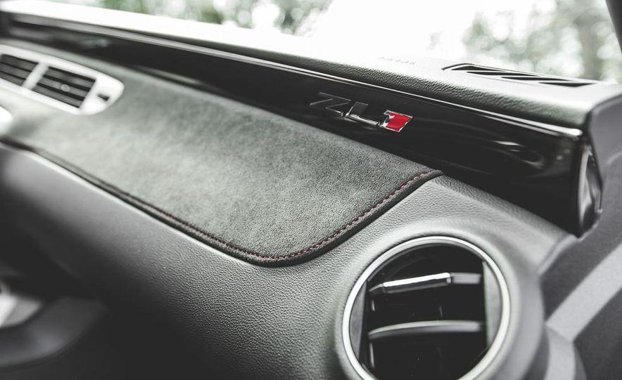 2015 Chevrolet Camaro ZL1 coupe - Slide 42