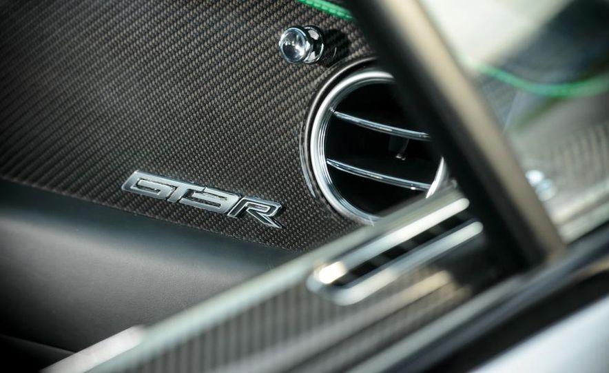 2015 Bentley Continental GT3-R - Slide 17