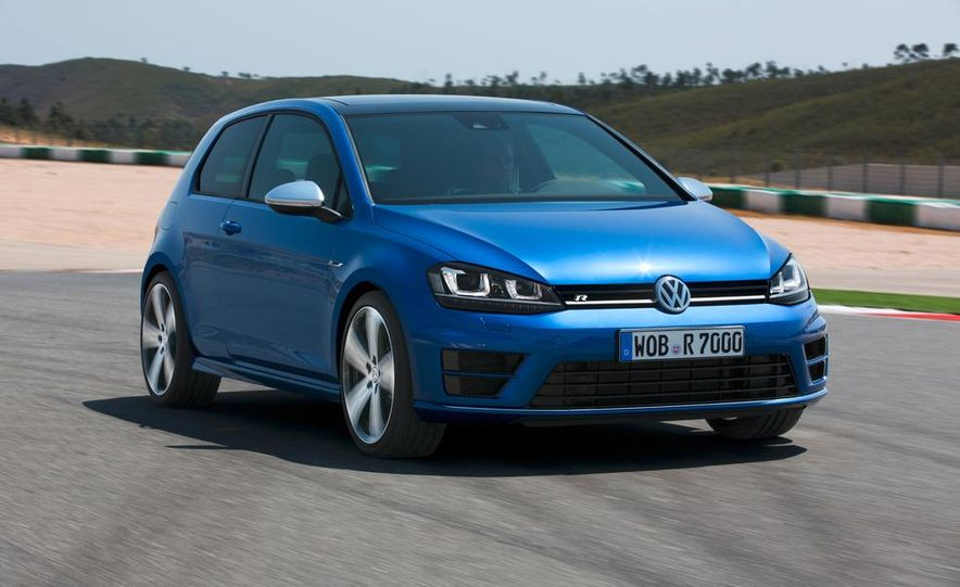 2016 Volkswagen Golf R - Slide 10