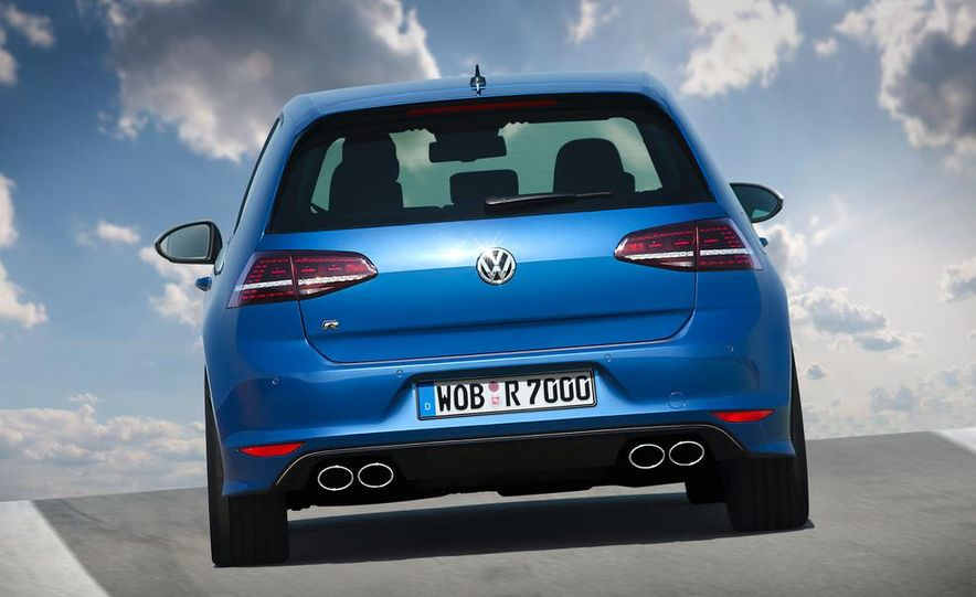 2016 Volkswagen Golf R - Slide 13