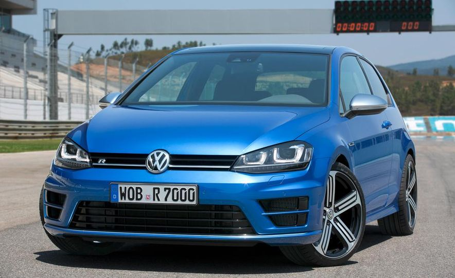 2016 Volkswagen Golf R - Slide 16