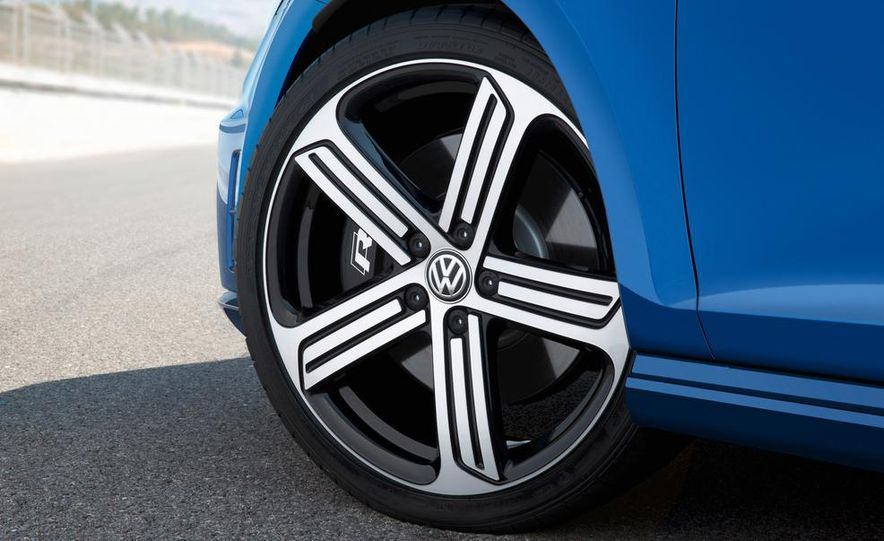 2016 Volkswagen Golf R - Slide 21