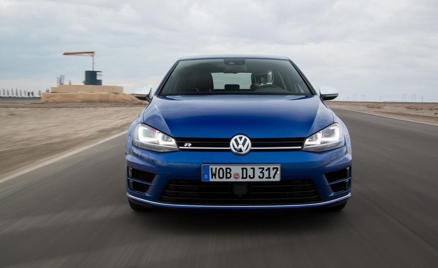 2016 Volkswagen Golf R - Slide 4