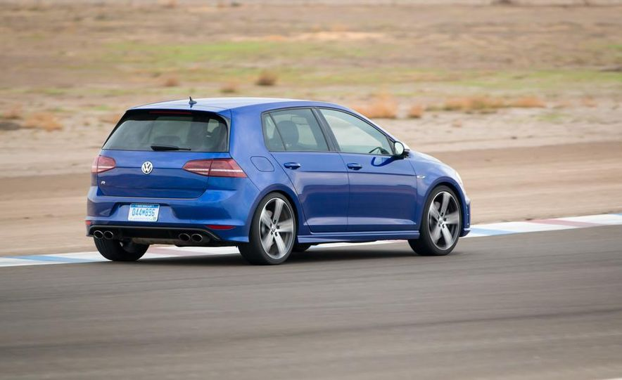 2016 Volkswagen Golf R - Slide 7