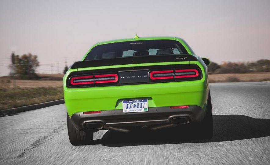2015 Dodge Challenger SRT Hellcat - Slide 8