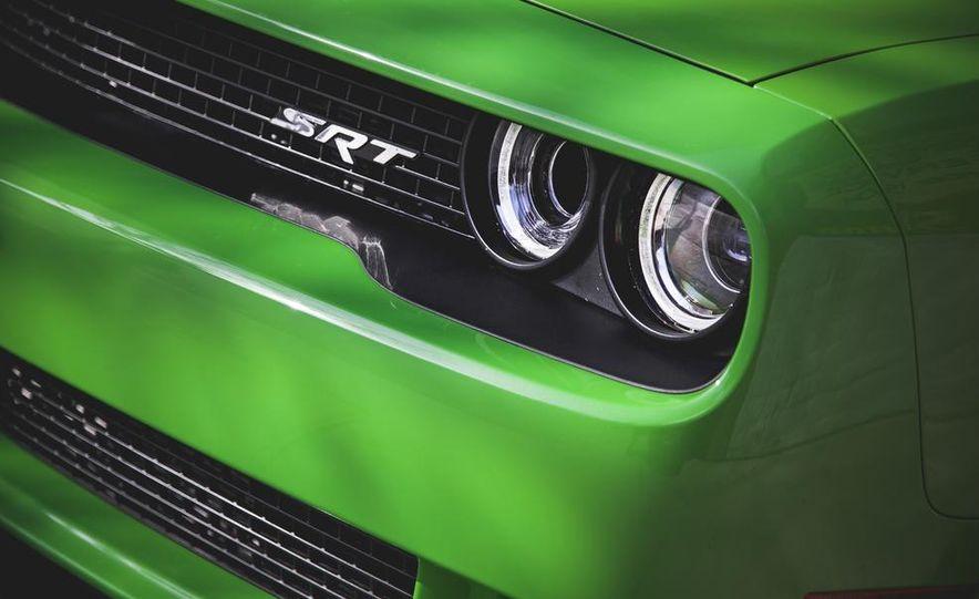 2015 Dodge Challenger SRT Hellcat - Slide 14