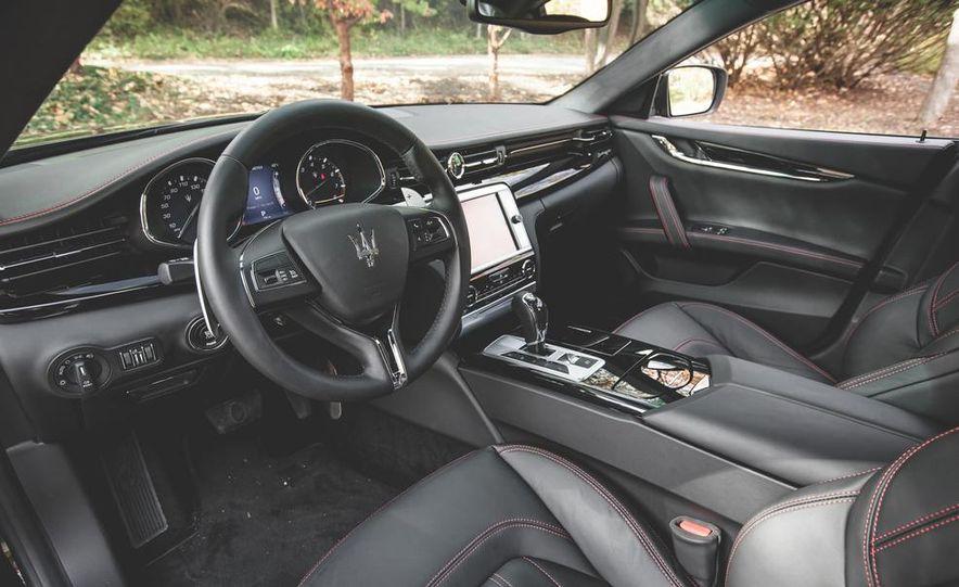 2015 Maserati Quattroporte GTS - Slide 24