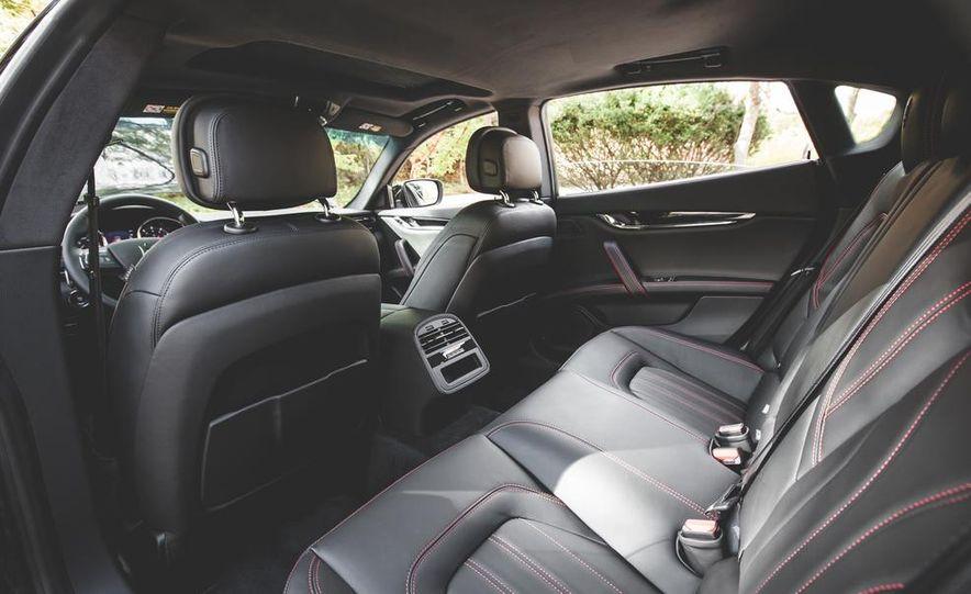 2015 Maserati Quattroporte GTS - Slide 30