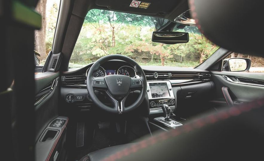 2015 Maserati Quattroporte GTS - Slide 32