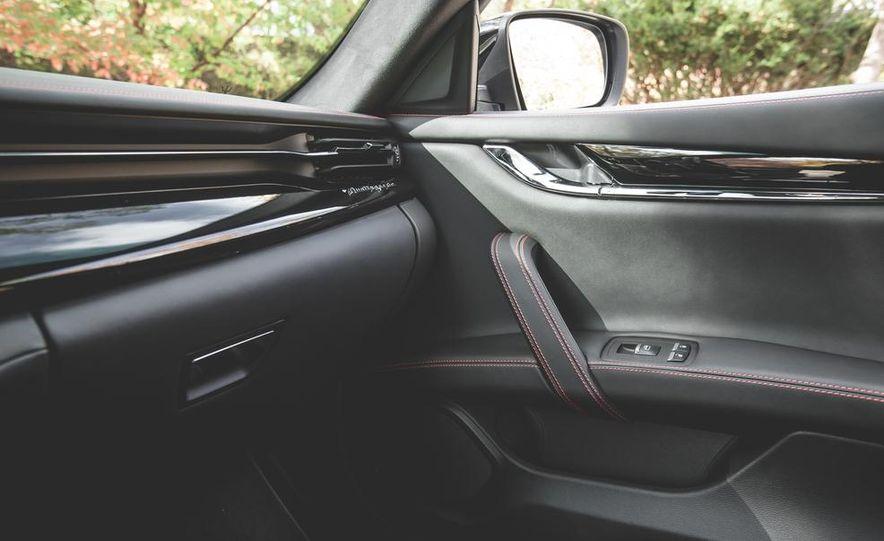 2015 Maserati Quattroporte GTS - Slide 37