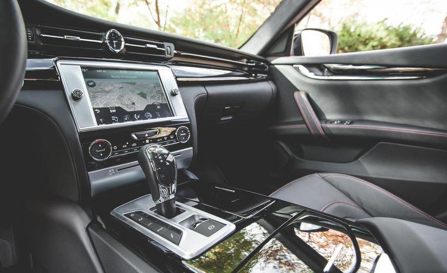 2015 Maserati Quattroporte GTS - Slide 38