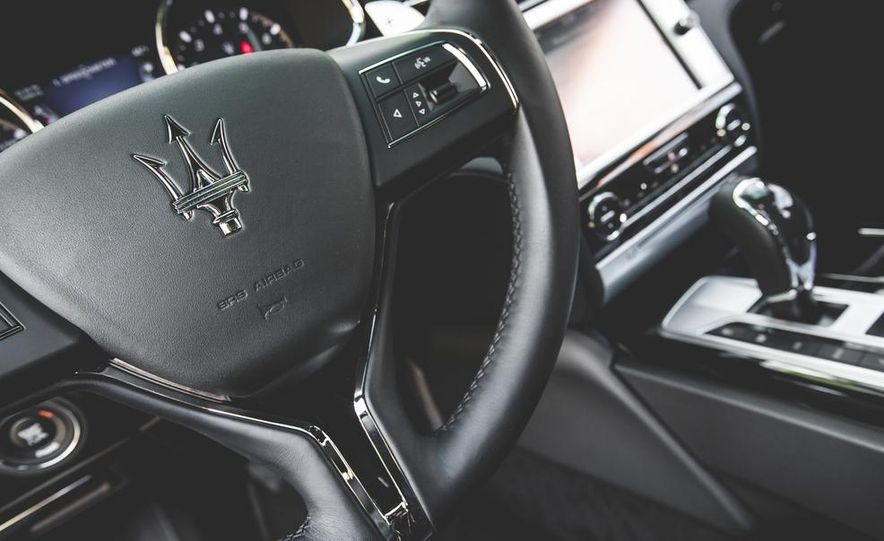 2015 Maserati Quattroporte GTS - Slide 40
