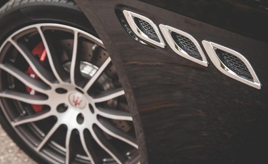 2015 Maserati Quattroporte GTS - Slide 16