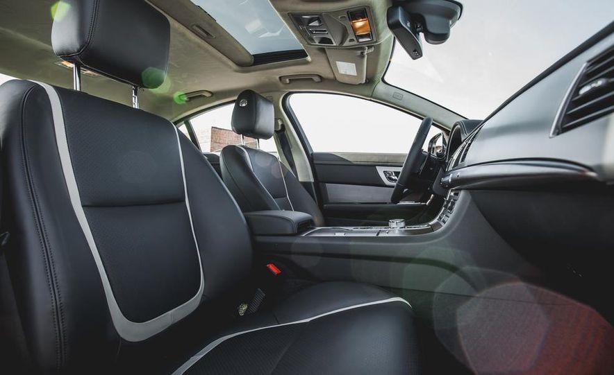 2015 Jaguar XF 3.0 AWD - Slide 27