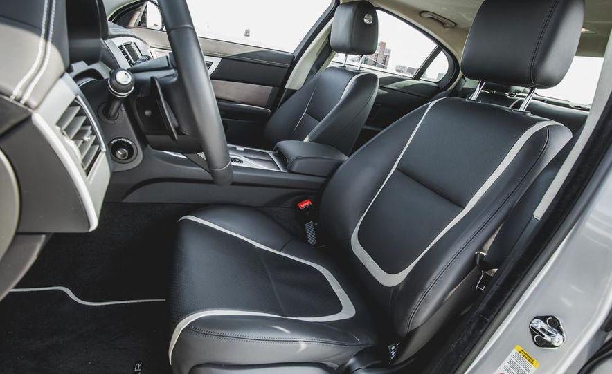 2015 Jaguar XF 3.0 AWD - Slide 28