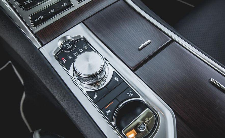 2015 Jaguar XF 3.0 AWD - Slide 41