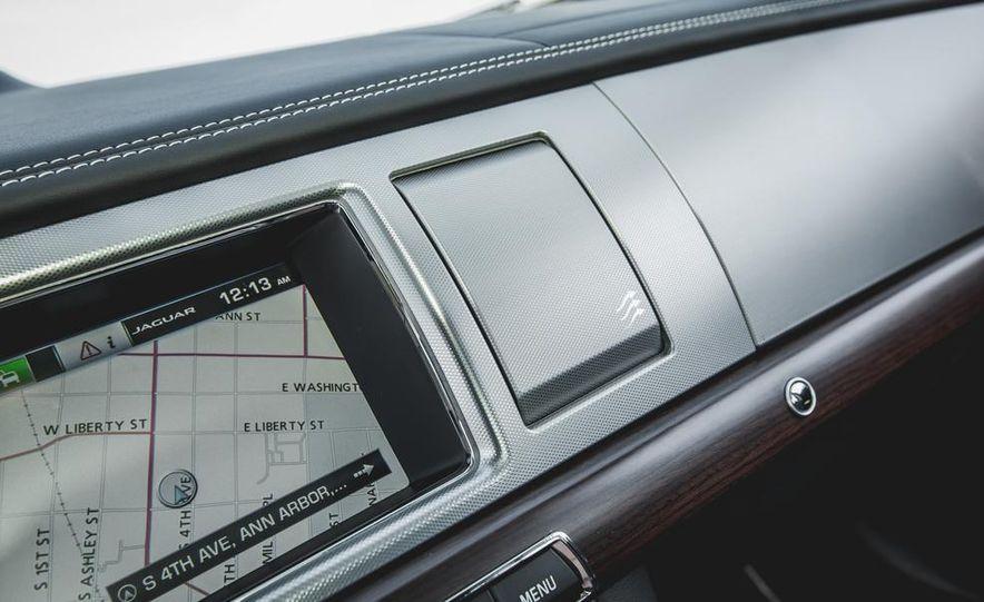 2015 Jaguar XF 3.0 AWD - Slide 44