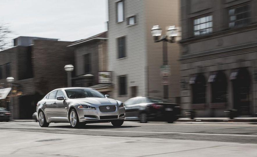 2015 Jaguar XF 3.0 AWD - Slide 3