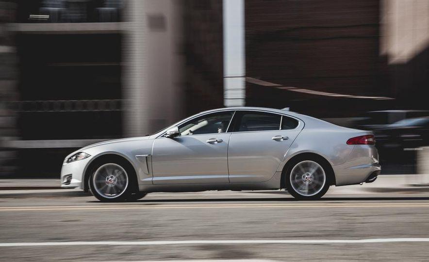 2015 Jaguar XF 3.0 AWD - Slide 6