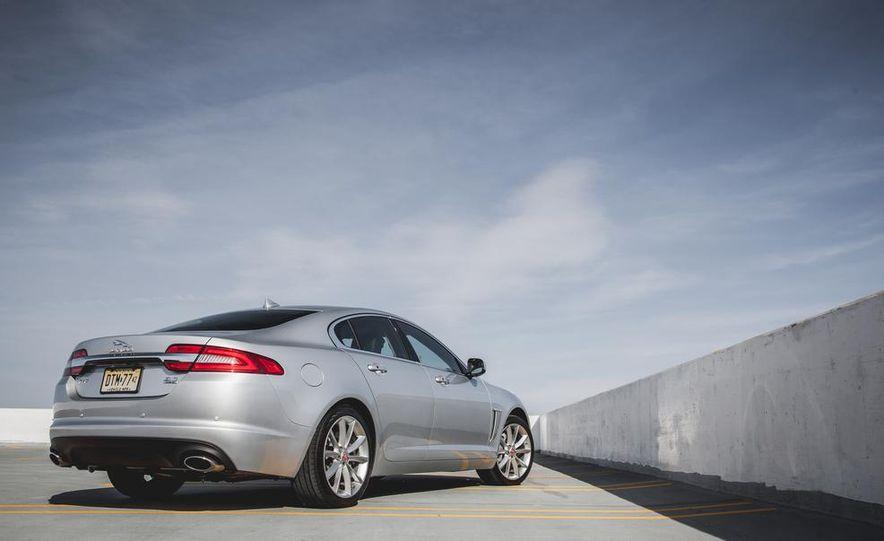 2015 Jaguar XF 3.0 AWD - Slide 12