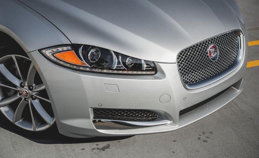 2015 Jaguar XF 3.0 AWD - Slide 13