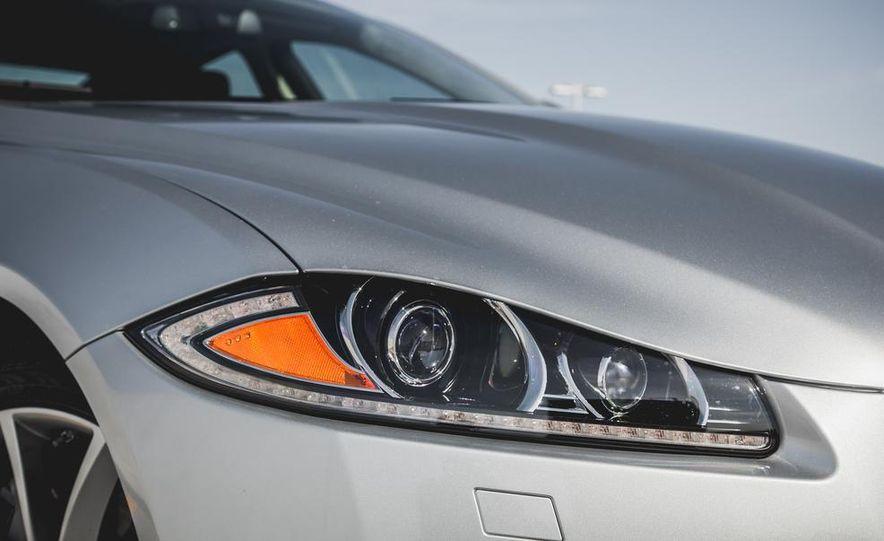 2015 Jaguar XF 3.0 AWD - Slide 15