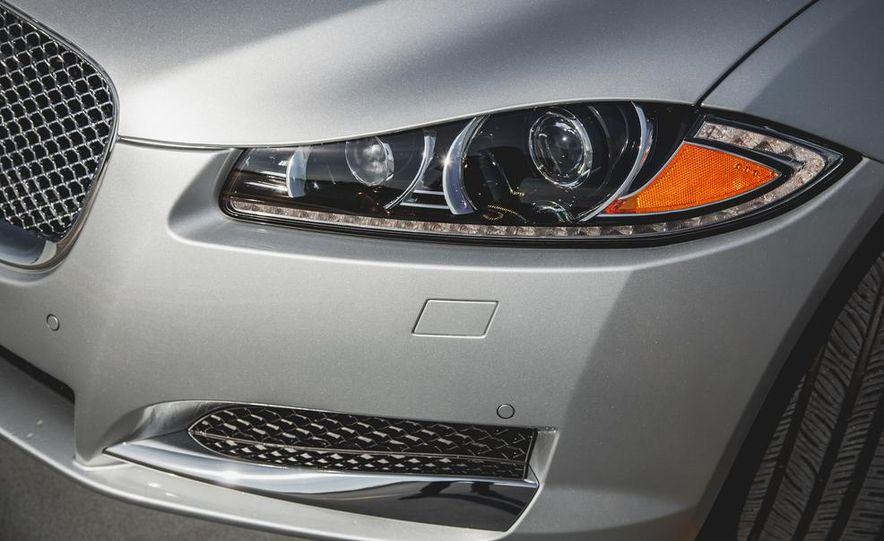 2015 Jaguar XF 3.0 AWD - Slide 16