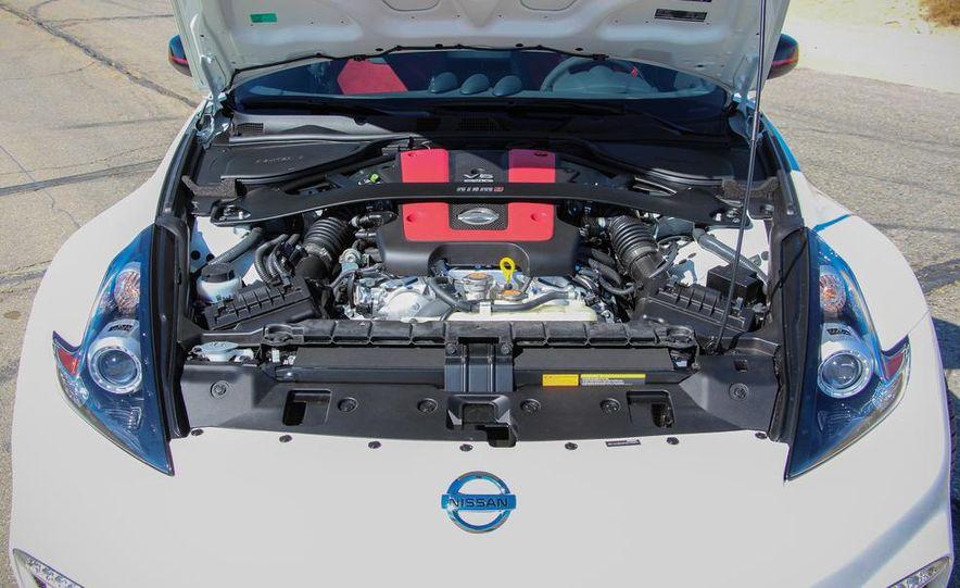 2015 Nissan 370Z NISMO Automatic - Slide 35