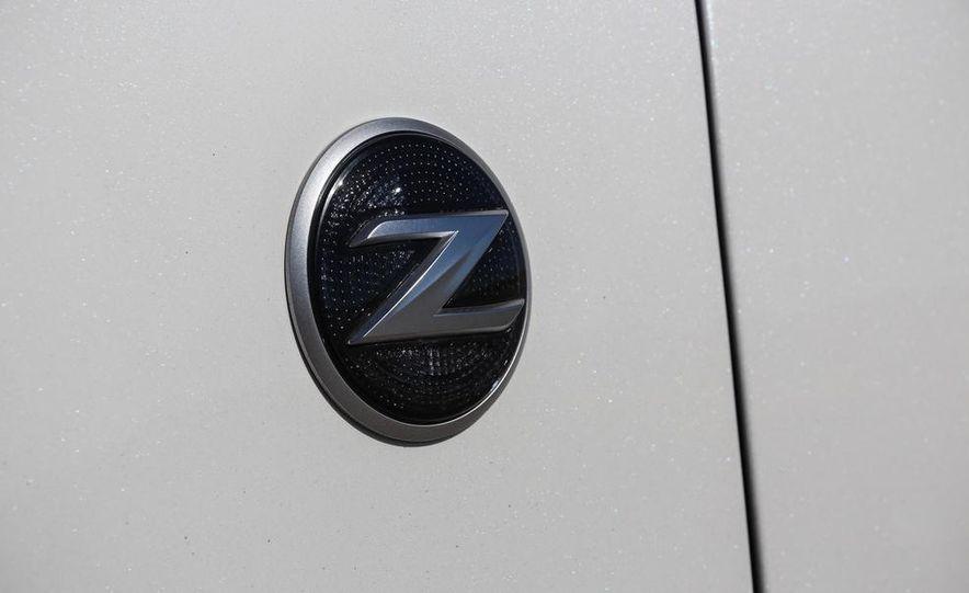 2015 Nissan 370Z NISMO Automatic - Slide 17