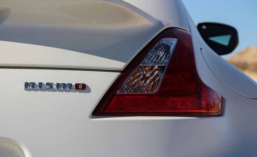 2015 Nissan 370Z NISMO Automatic - Slide 20