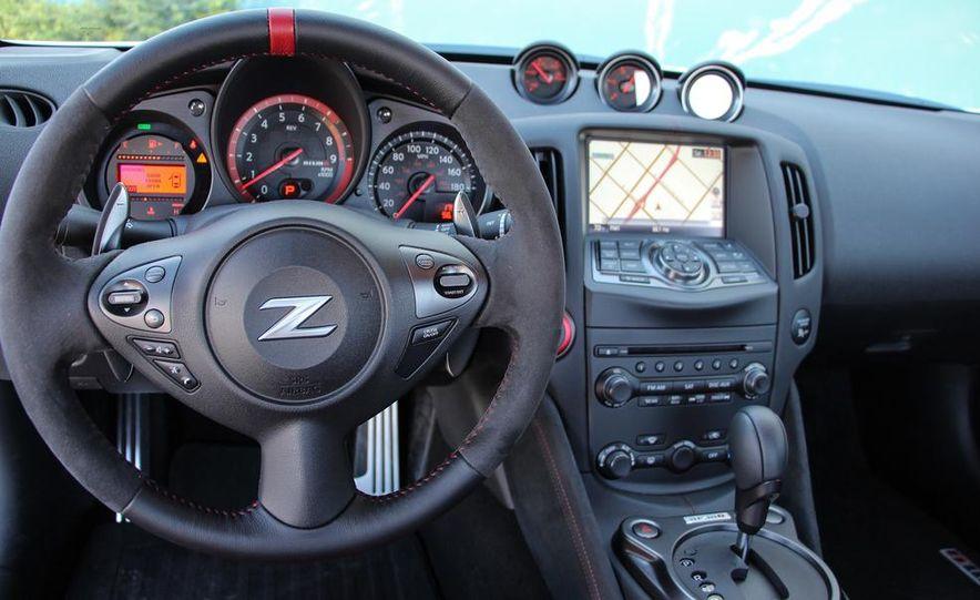 2015 Nissan 370Z NISMO Automatic - Slide 24