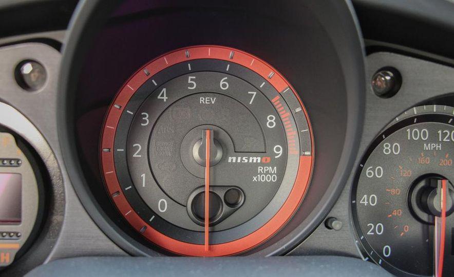 2015 Nissan 370Z NISMO Automatic - Slide 31