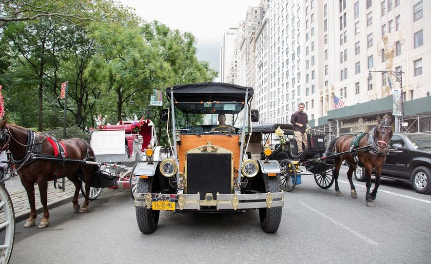 Can an Electric Car Really Replace Central Park's Horse-Drawn Carriages? - Slide 1