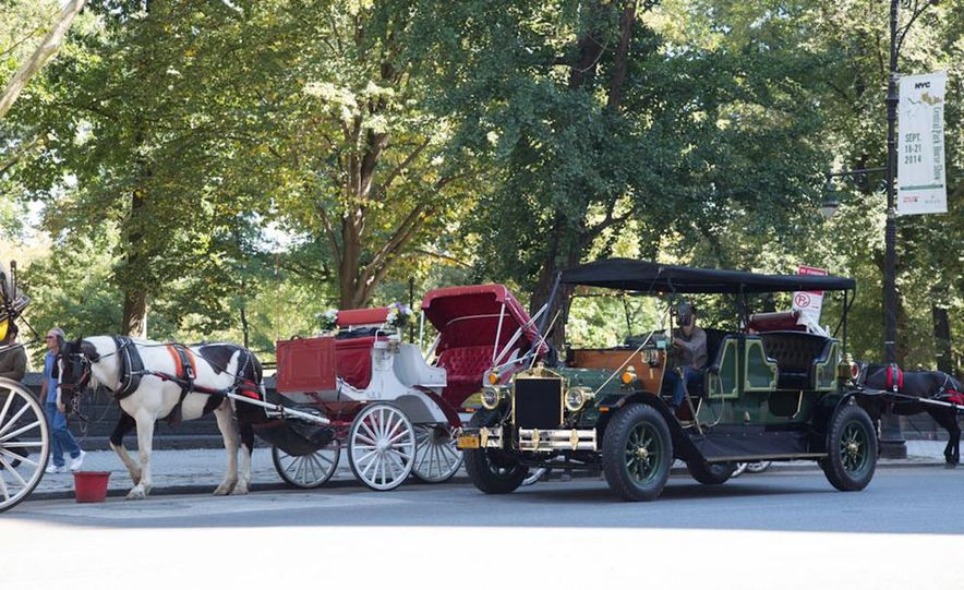 Can an Electric Car Really Replace Central Park's Horse-Drawn Carriages? - Slide 3
