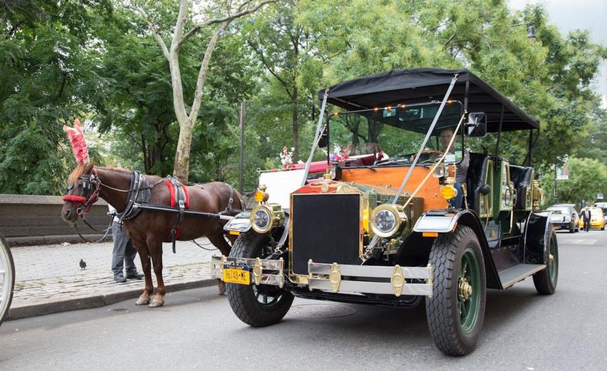 Can an Electric Car Really Replace Central Park's Horse-Drawn Carriages? - Slide 7