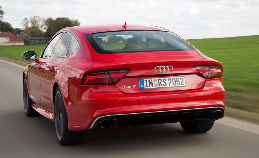 2016 Audi RS7 - Slide 12