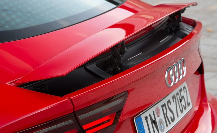 2016 Audi RS7 - Slide 20