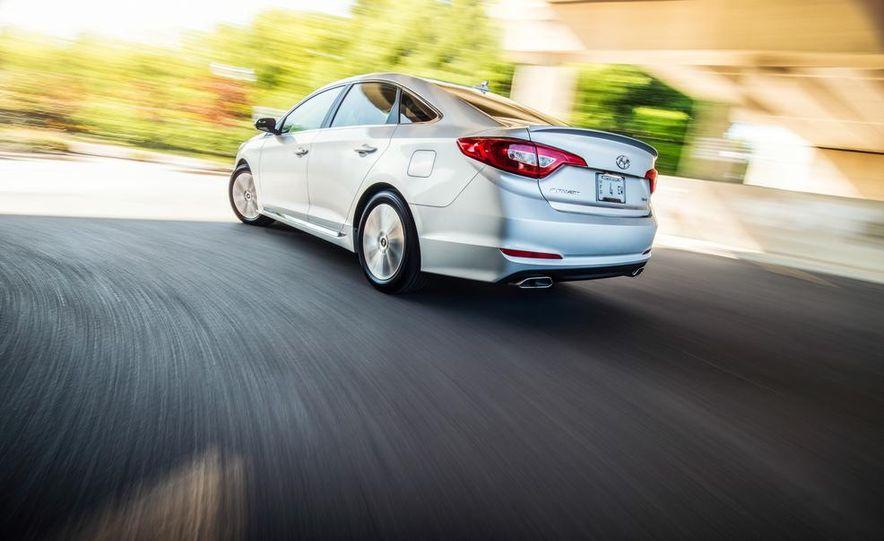 2015 Hyundai Sonata 2.4L Sport - Slide 2