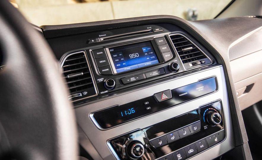 2015 Hyundai Sonata 2.4L Sport - Slide 33