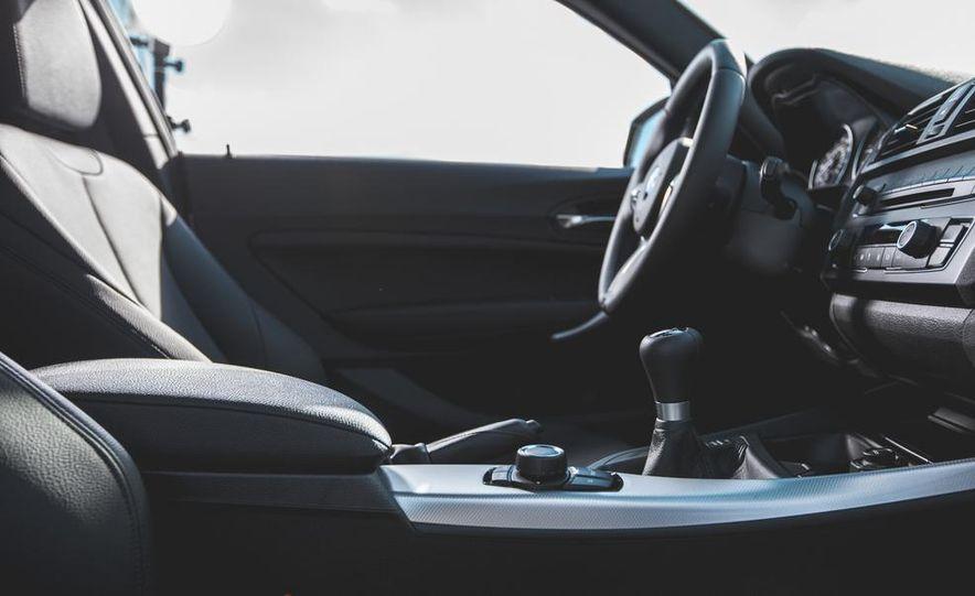 2014 BMW M235i coupe - Slide 15