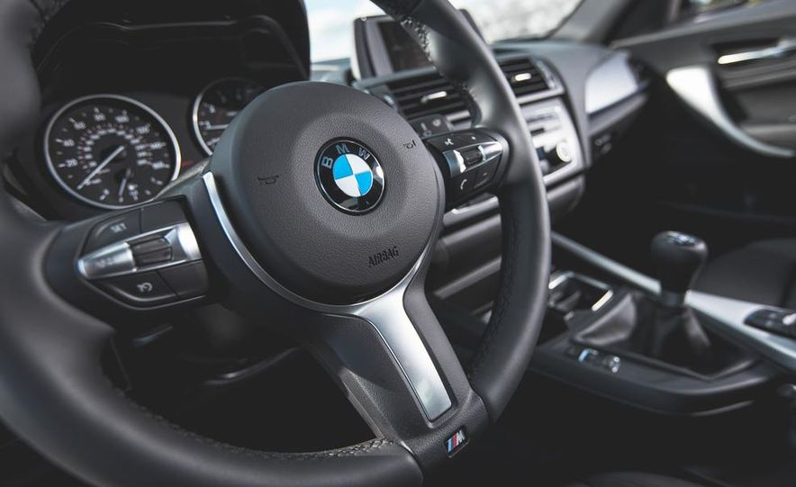 2014 BMW M235i coupe - Slide 16