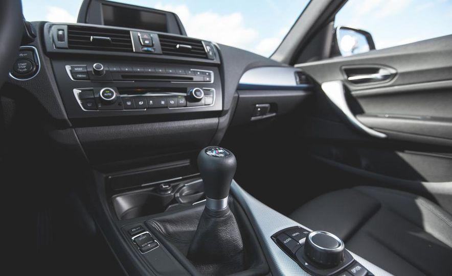 2014 BMW M235i coupe - Slide 20