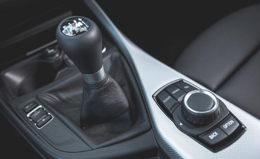2014 BMW M235i coupe - Slide 25