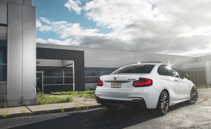 2014 BMW M235i coupe - Slide 4