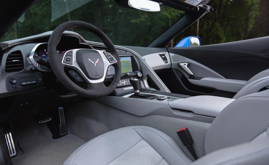 2015 Chevrolet Corvette Stingray convertible - Slide 10