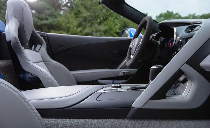 2015 Chevrolet Corvette Stingray convertible - Slide 12