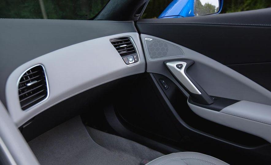 2015 Chevrolet Corvette Stingray convertible - Slide 13