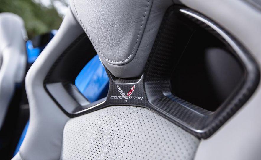 2015 Chevrolet Corvette Stingray convertible - Slide 16