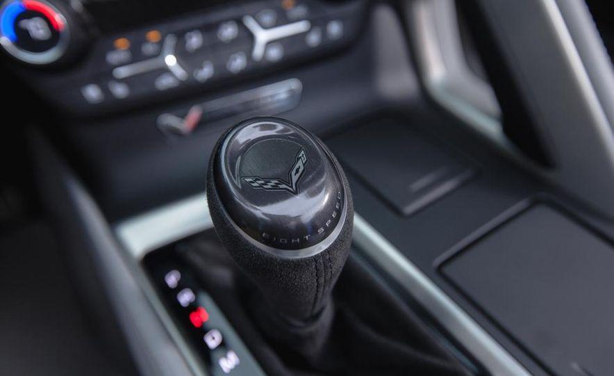 2015 Chevrolet Corvette Stingray convertible - Slide 21
